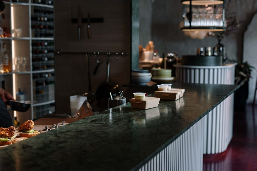 Plan de cuisine en marbre - Courtage Bati-connect